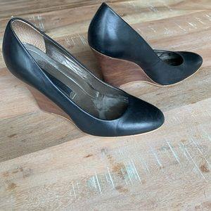Nine West Black Leather Wedges Size 7